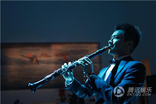 王弢表演单簧管