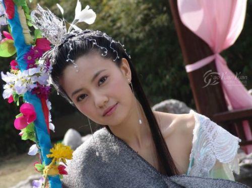 范冰冰 刘亦菲/李嘉欣赵雅芝朱茵 古装现代装造型都绝美的女星
