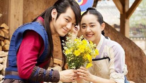 韩娱乐圈迎来分手潮 金范文根英宣布结束恋情