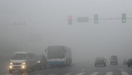 长沙:空气湿度大 易发生雨雾天气 能见度低