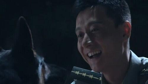 小米为救谢连城叼走手榴