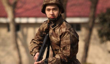 第一期:刘昊然变军事小百科 王宝强自带笑点好魔性