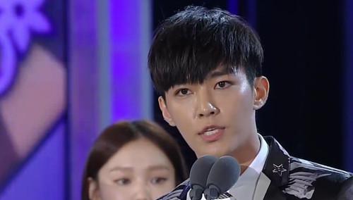 《首尔国际电视节》颁奖盛典:炎亚纶分获亚洲明星奖