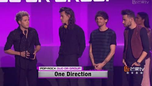 最受欢迎流行组合 One Direction 获得
